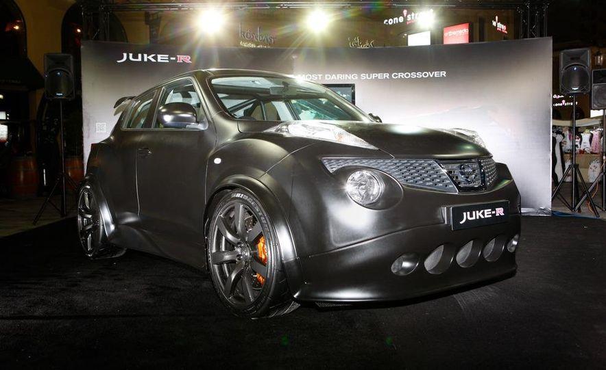 458 Italia and Nissan Juke-R - Slide 82