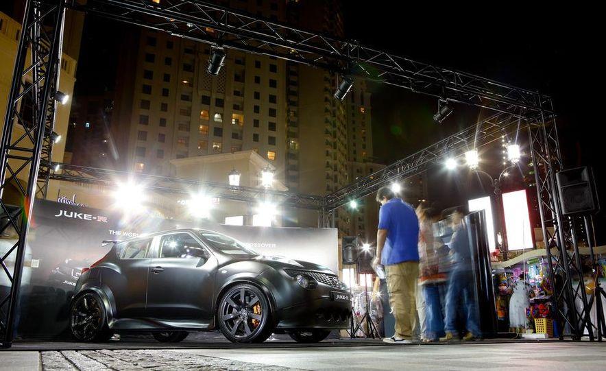 458 Italia and Nissan Juke-R - Slide 83