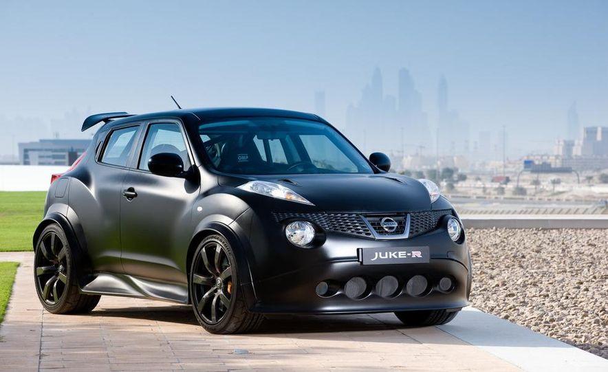 458 Italia and Nissan Juke-R - Slide 85