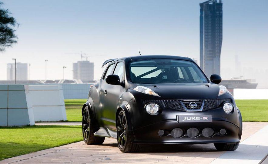 458 Italia and Nissan Juke-R - Slide 86
