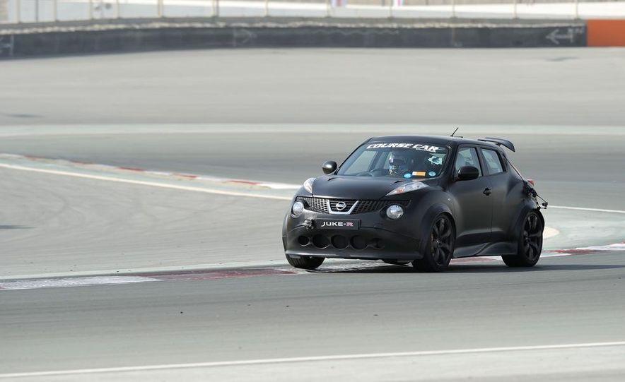 458 Italia and Nissan Juke-R - Slide 21