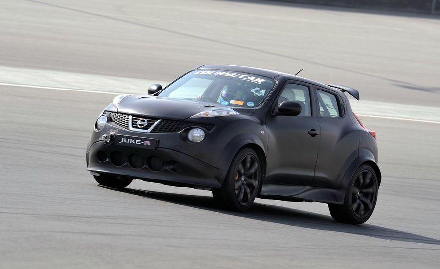 458 Italia and Nissan Juke-R - Slide 24