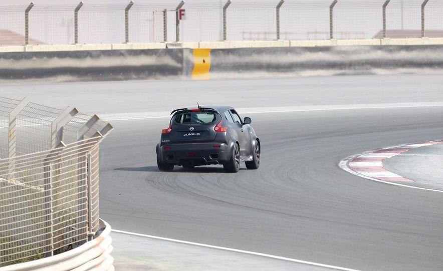458 Italia and Nissan Juke-R - Slide 26