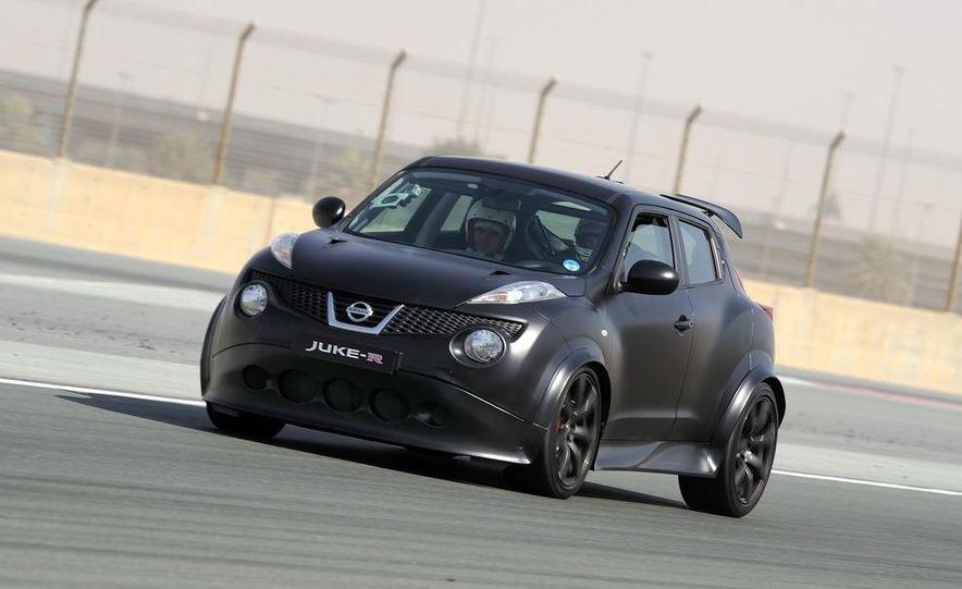 458 Italia and Nissan Juke-R - Slide 28