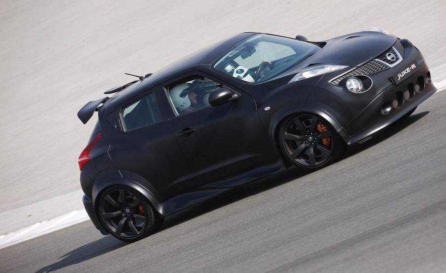 458 Italia and Nissan Juke-R - Slide 30
