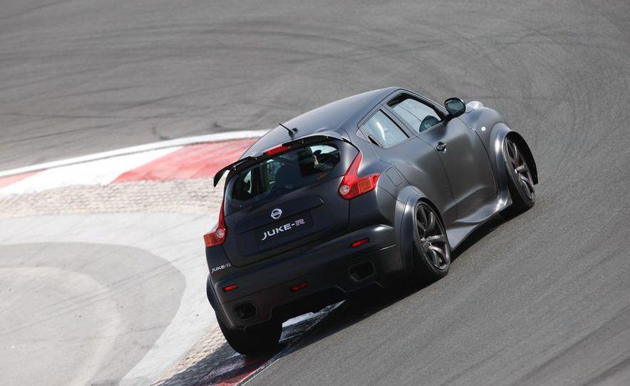 458 Italia and Nissan Juke-R - Slide 31
