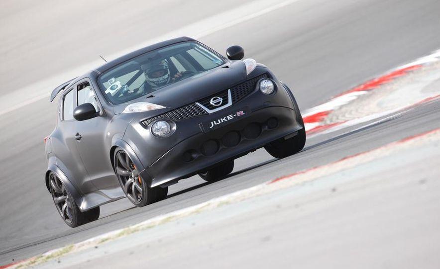 458 Italia and Nissan Juke-R - Slide 32