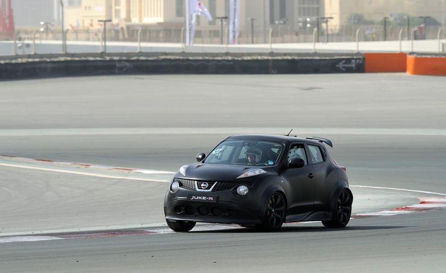 458 Italia and Nissan Juke-R - Slide 33