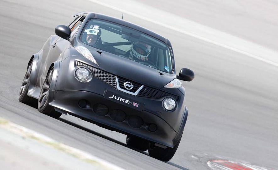 458 Italia and Nissan Juke-R - Slide 35