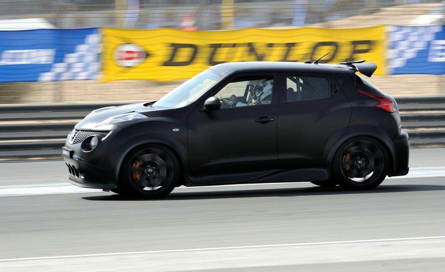 458 Italia and Nissan Juke-R - Slide 37