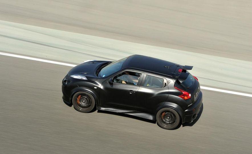 458 Italia and Nissan Juke-R - Slide 45