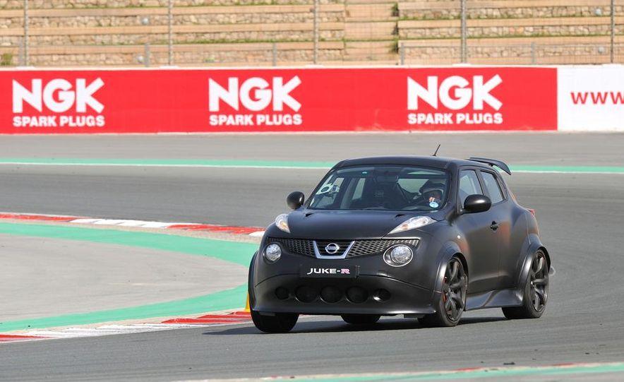 458 Italia and Nissan Juke-R - Slide 46