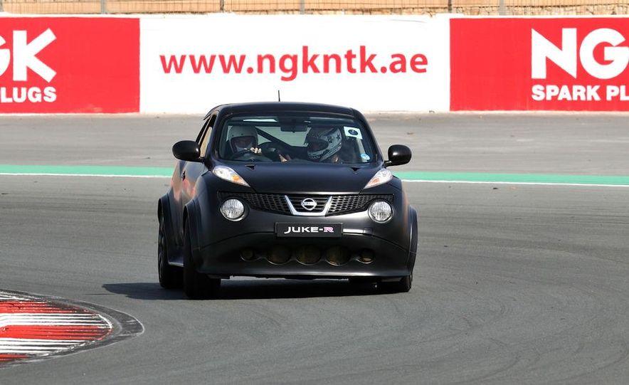 458 Italia and Nissan Juke-R - Slide 47