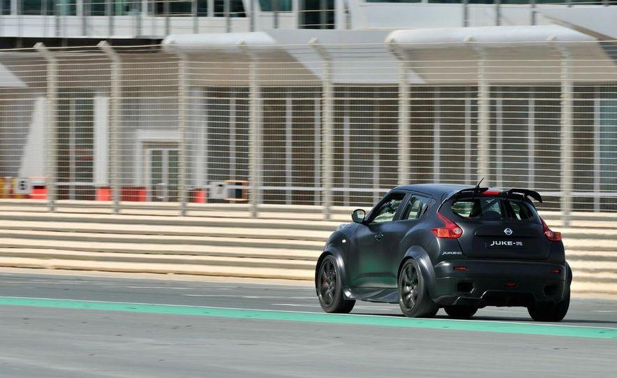 458 Italia and Nissan Juke-R - Slide 48