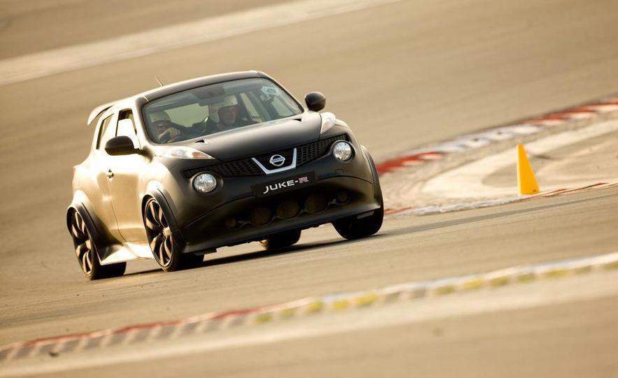 458 Italia and Nissan Juke-R - Slide 49