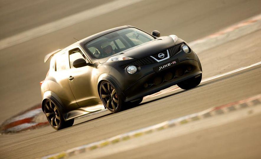 458 Italia and Nissan Juke-R - Slide 50