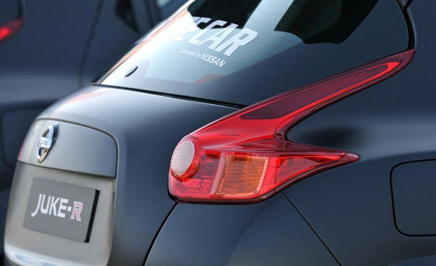 458 Italia and Nissan Juke-R - Slide 60