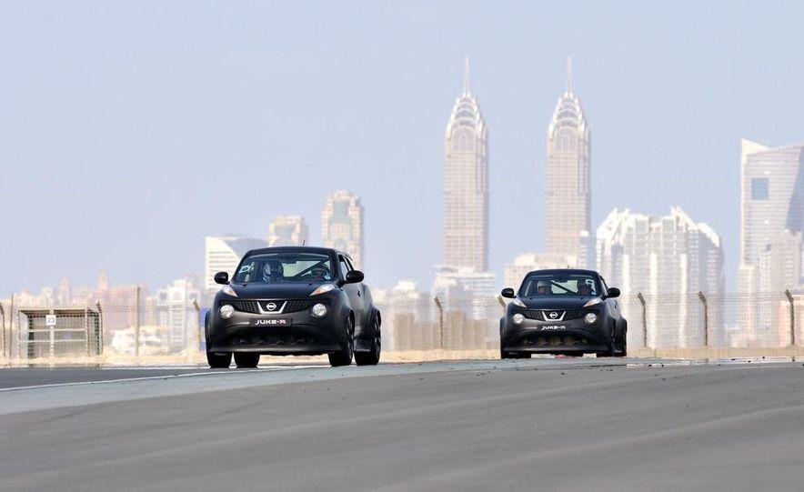 458 Italia and Nissan Juke-R - Slide 42