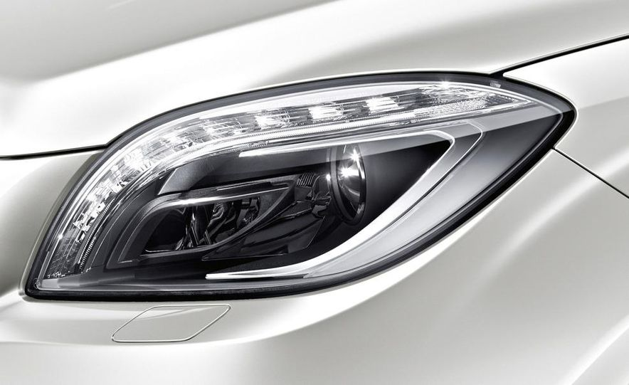 2012 Mercedes-Benz ML63 AMG - Slide 21