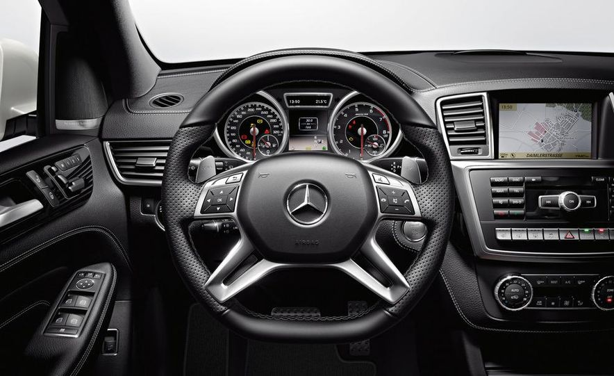2012 Mercedes-Benz ML63 AMG - Slide 26