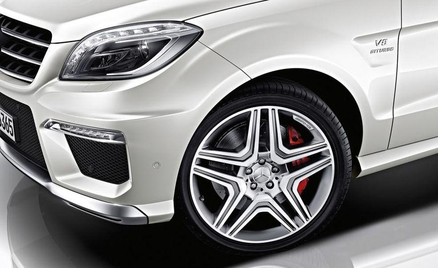 2012 Mercedes-Benz ML63 AMG - Slide 20