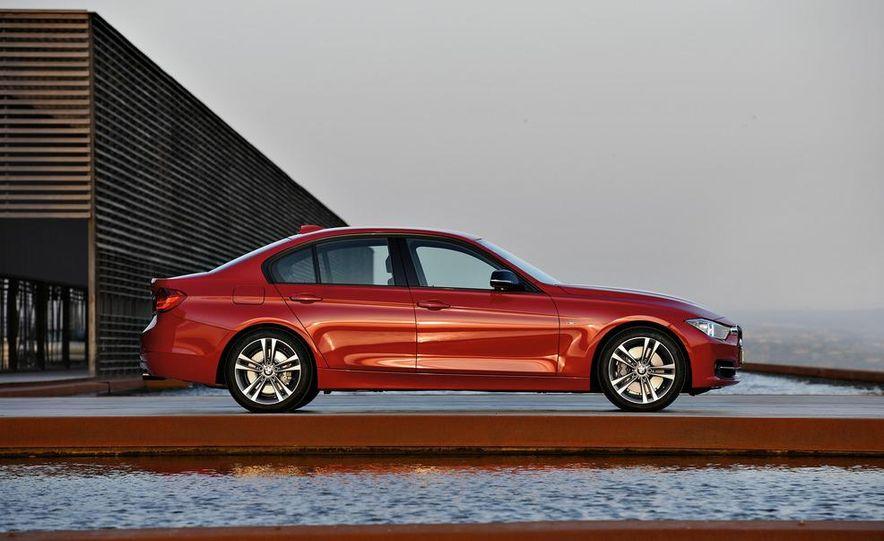 2012 BMW 335i Sport Line sedan (Euro-spec) - Slide 12