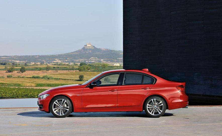 2012 BMW 335i Sport Line sedan (Euro-spec) - Slide 13