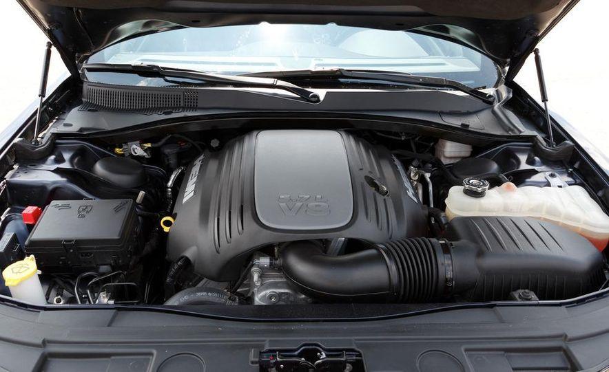 2012 Chrysler 300 Mopar '12 - Slide 62