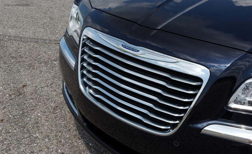 2012 Chrysler 300 Mopar '12 - Slide 47