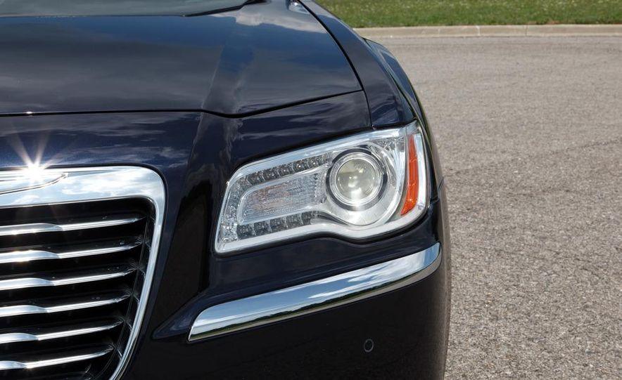 2012 Chrysler 300 Mopar '12 - Slide 48