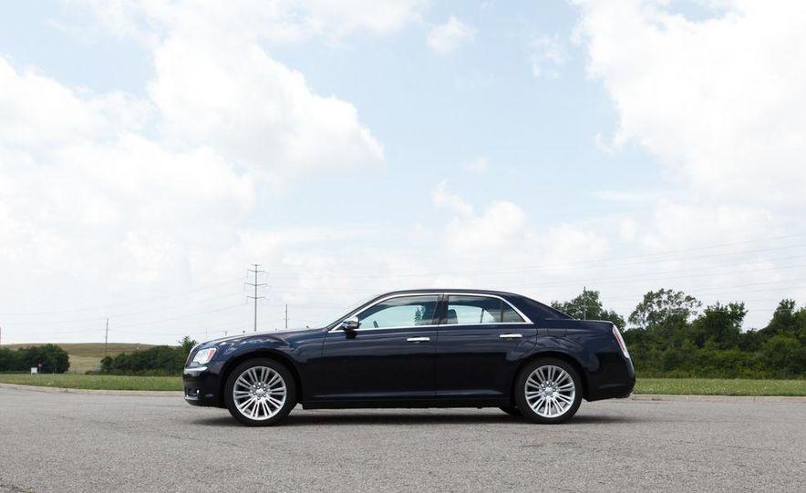 2012 Chrysler 300 Mopar '12 - Slide 40