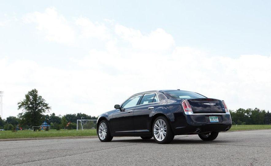 2012 Chrysler 300 Mopar '12 - Slide 41