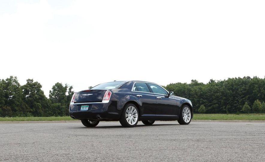 2012 Chrysler 300 Mopar '12 - Slide 42