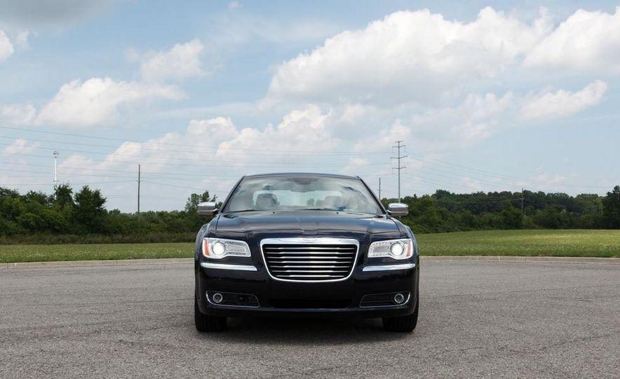 2012 Chrysler 300 Mopar '12 - Slide 44