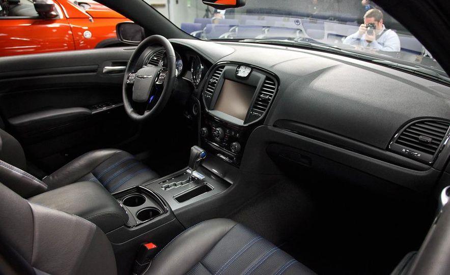2012 Chrysler 300 Mopar '12 - Slide 18
