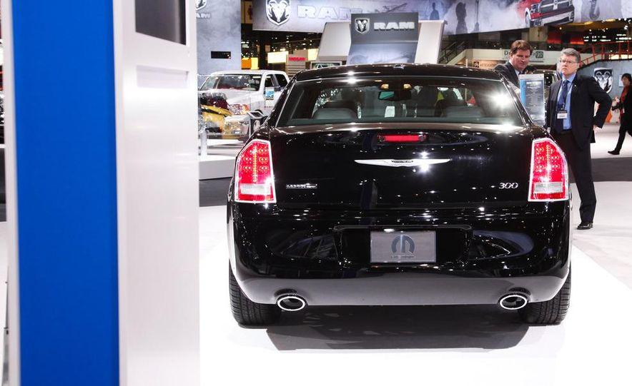 2012 Chrysler 300 Mopar '12 - Slide 2