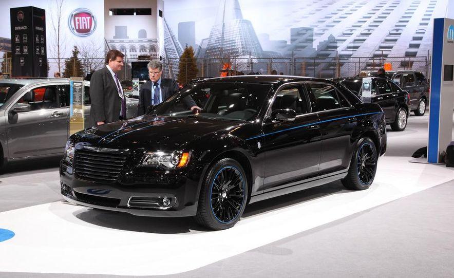 2012 Chrysler 300 Mopar '12 - Slide 5