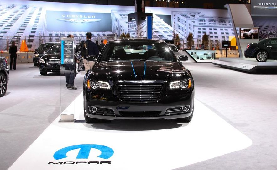 2012 Chrysler 300 Mopar '12 - Slide 6