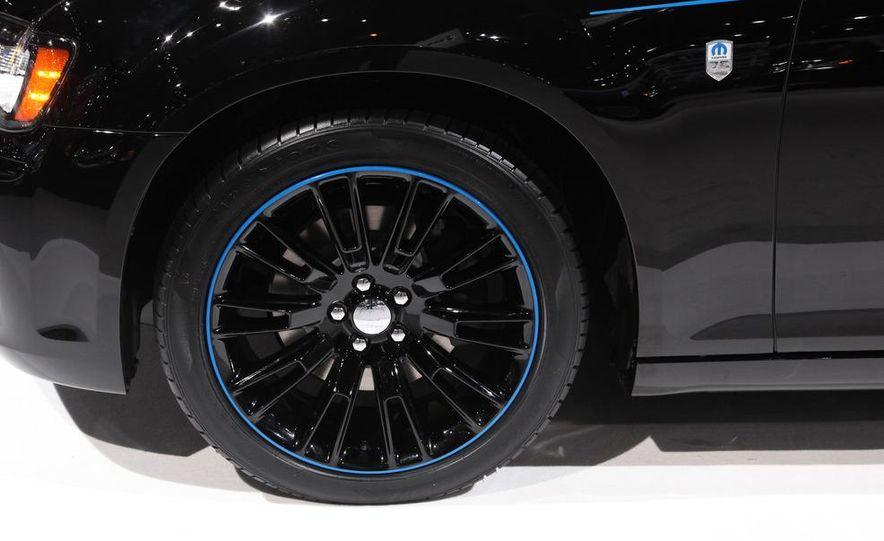 2012 Chrysler 300 Mopar '12 - Slide 8
