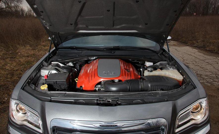 2012 Chrysler 300C - Slide 61