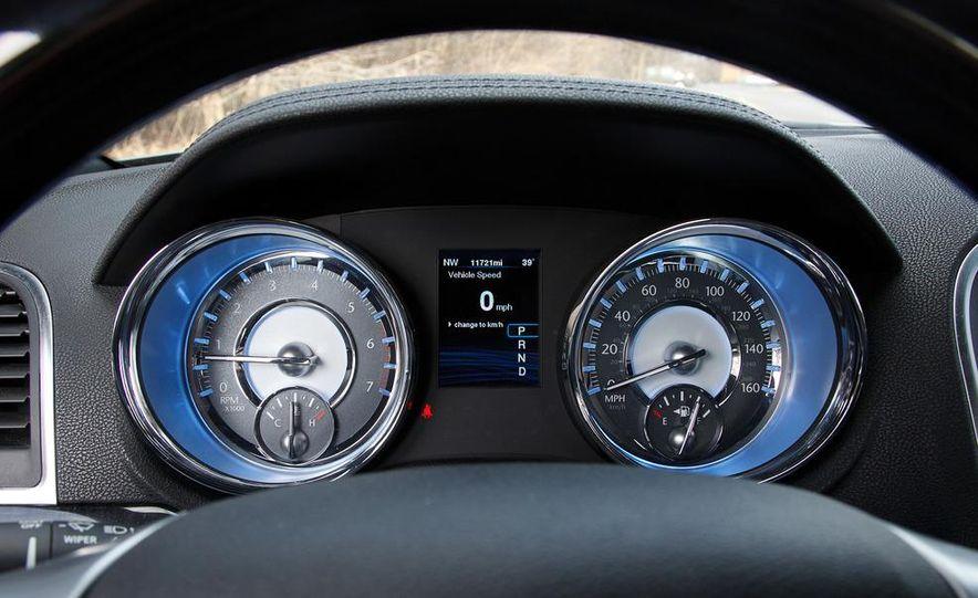 2012 Chrysler 300C - Slide 58