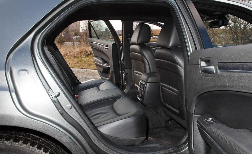 2012 Chrysler 300C - Slide 50