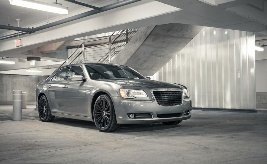 2012 Chrysler 300C - Slide 5