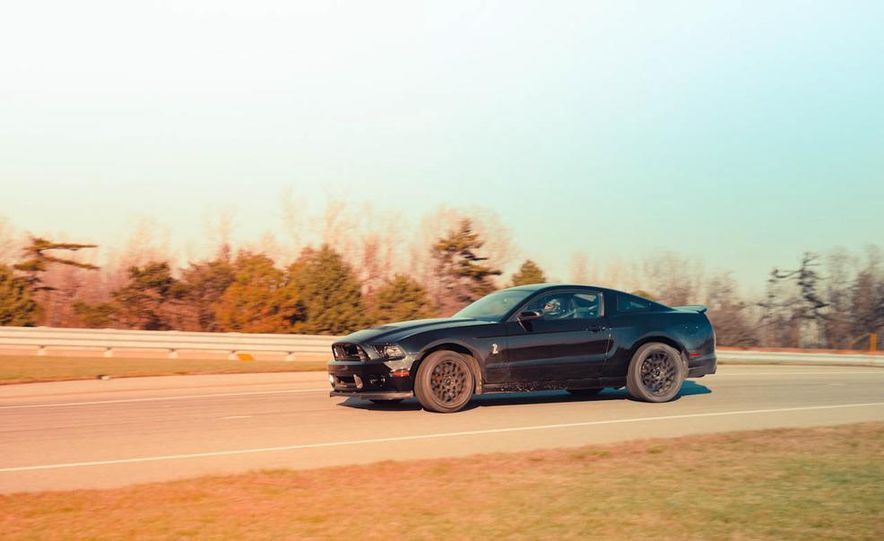 2013 Ford Mustang Shelby GT500 - Slide 3
