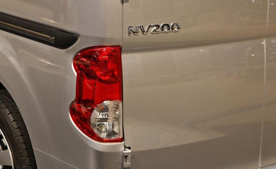 2013 Nissan NV200 - Slide 8