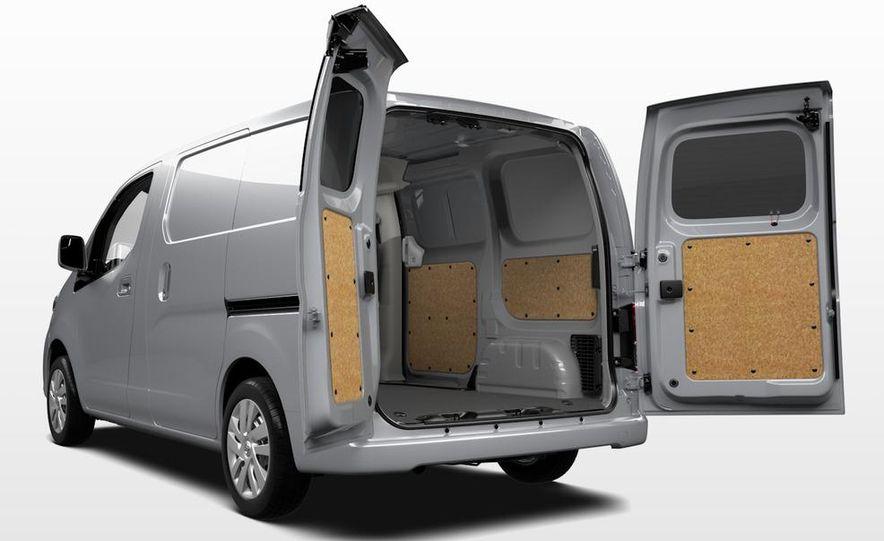 2013 Nissan NV200 - Slide 10