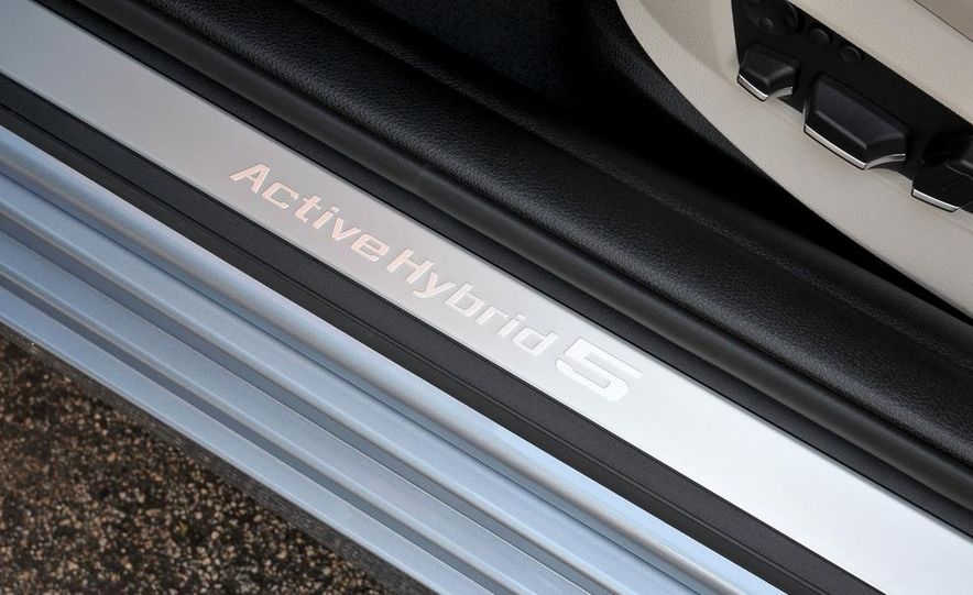 2012 BMW ActiveHybrid 5 - Slide 32