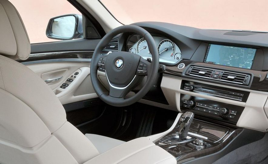 2012 BMW ActiveHybrid 5 - Slide 29
