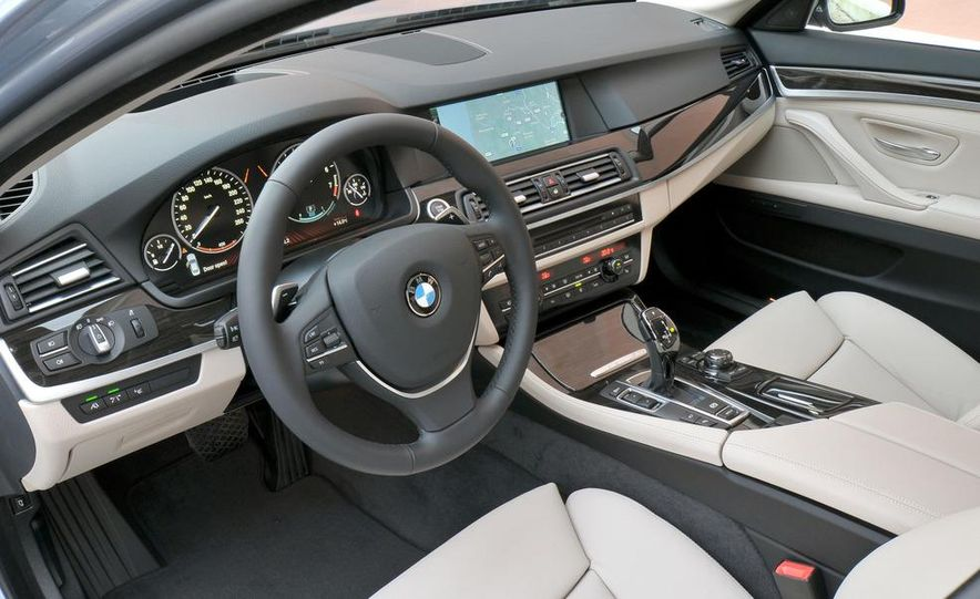 2012 BMW ActiveHybrid 5 - Slide 30