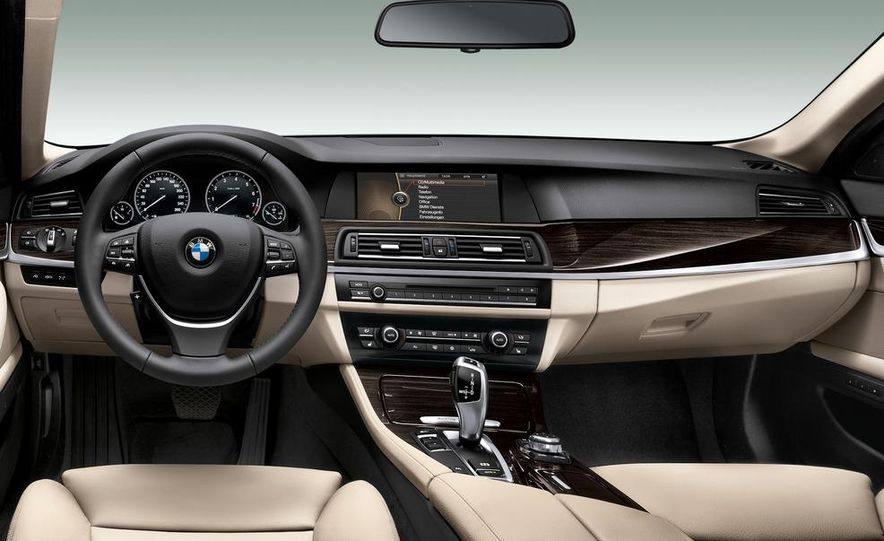 2012 BMW ActiveHybrid 5 - Slide 47